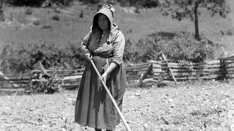 1936 Louisa Walker Sisters working in garden farm Great Smoky Mountains