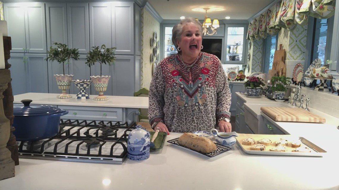 Toasted olive bread