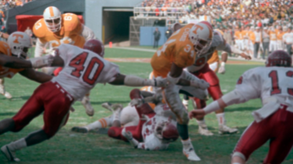 Former running back and VFL Reggie Cobb dies of a heart attack