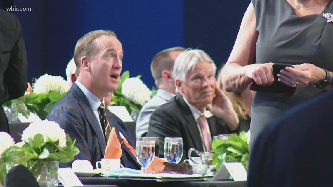 Peyton Manning returns to Knoxville to speak at Greater Knoxville Sports Hall of Fame induction