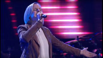 Dandridge singer makes it onto Team Kelly on NBC's 'The Voice'