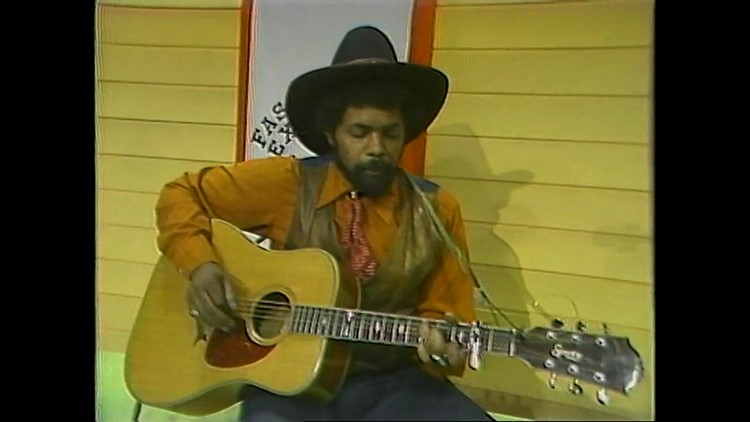 Sparky Rucker performs in 1981