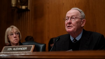 7 GOP senators, including Sen. Lamar Alexander, now against Trump border order