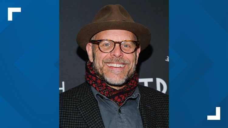 Food Network star Alton Brown coming to Tennessee Theatre