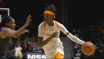 Lady Vols upset no. 15 Notre Dame in South Bend, 74-63
