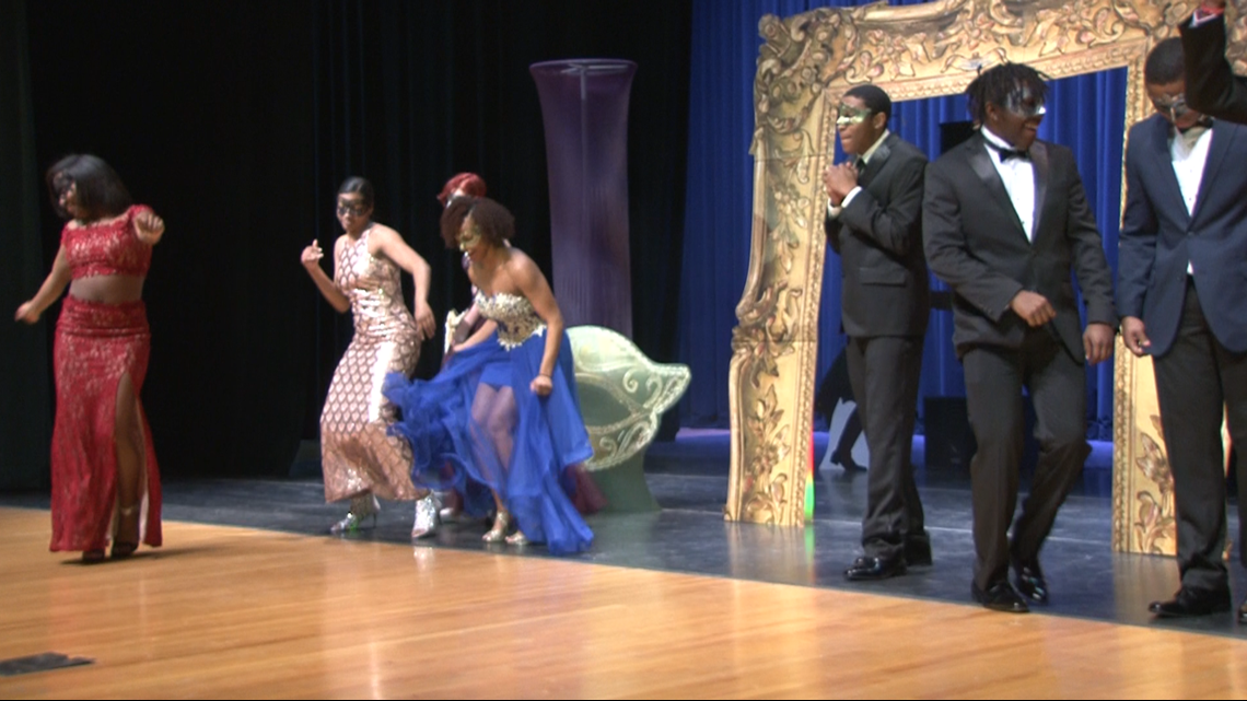 bbd9cc1bc59 Belk gives Austin-East students a huge prom surprise