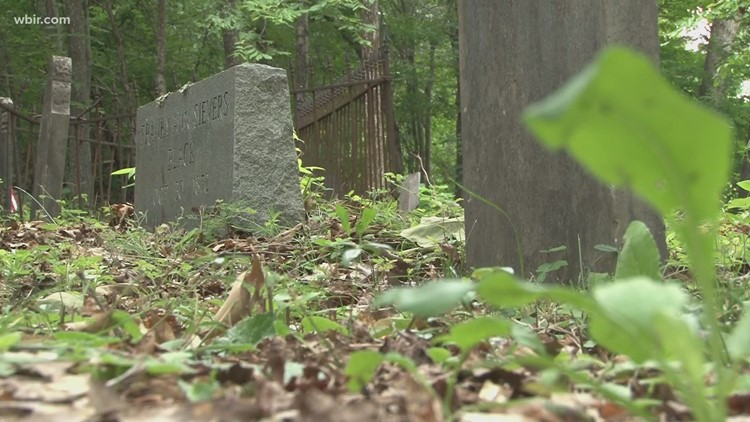 Historian's work on Anderson County cemetery connects woman with family history