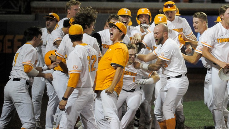 Knoxville erupts with excitement and support for Vols Baseball team