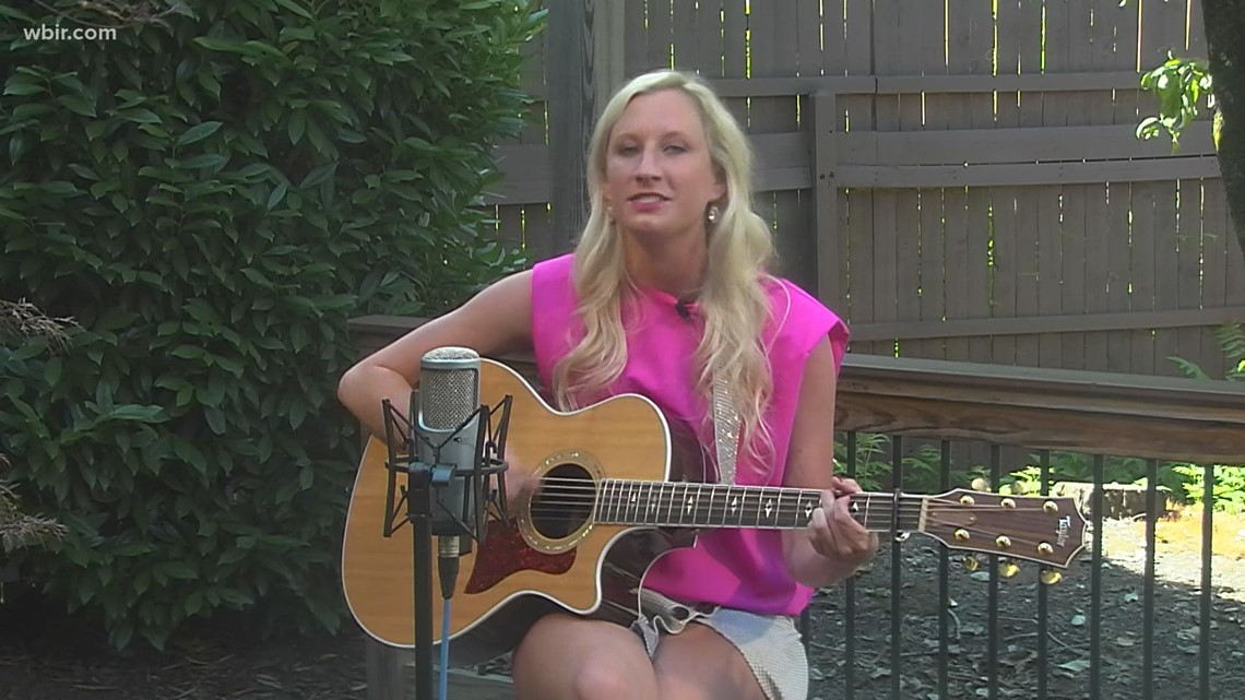 Chelsea performs 'Daddy's Little girl'