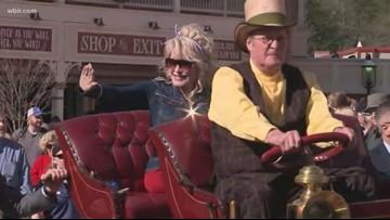 Dolly Parton leads parade through Dollywood