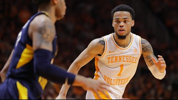 Tennessee Basketball player Lamonte Turner gets spot on Cousy Award watch list