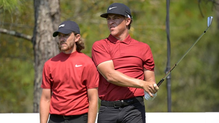 PGA tour golfers honor Tiger Woods by wearing red